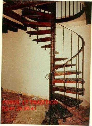 escalier m tal g e angers beaufort 49. Black Bedroom Furniture Sets. Home Design Ideas